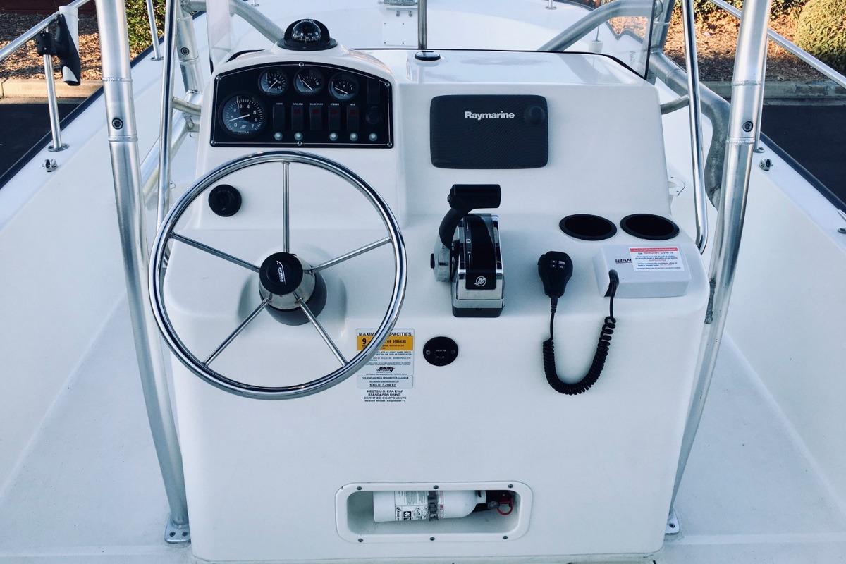 2012 Boston Whaler 210 Montauk, 9