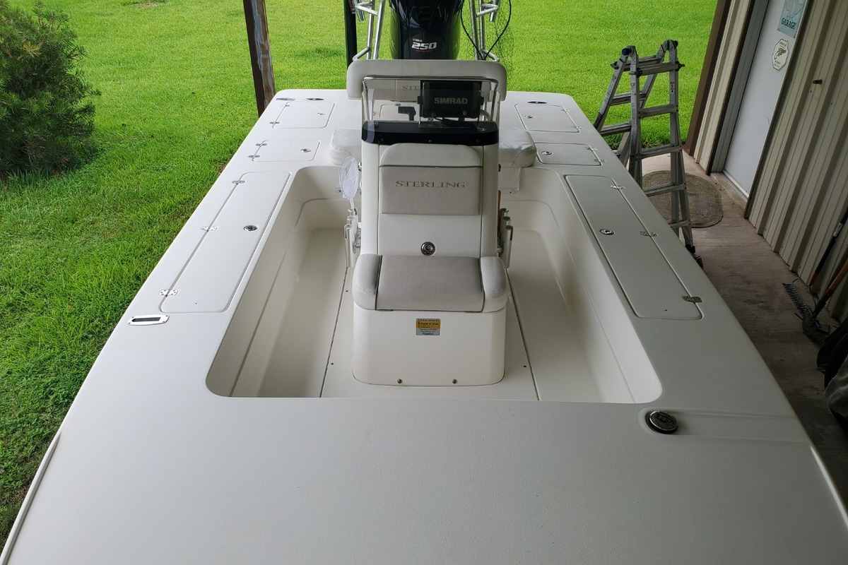 2012 Sterling 220XS, 7