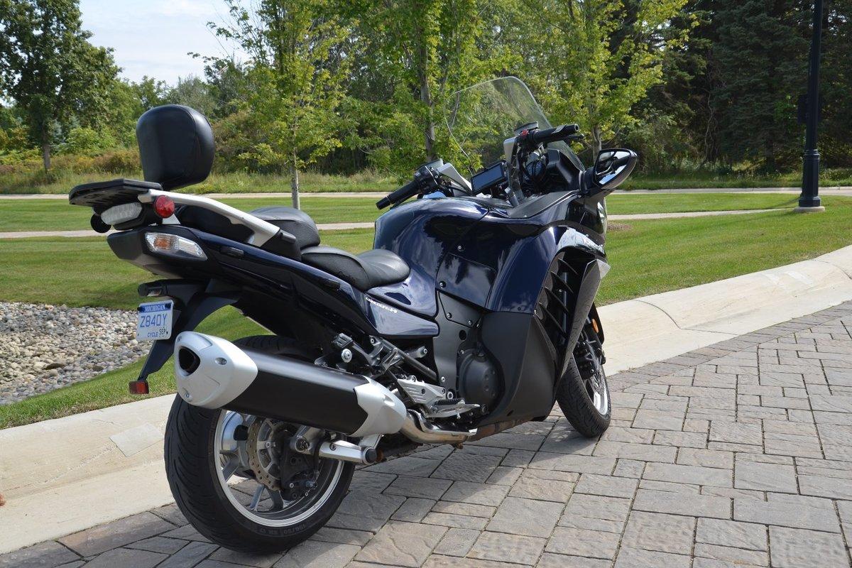 2010 Kawasaki Concours 14, 7