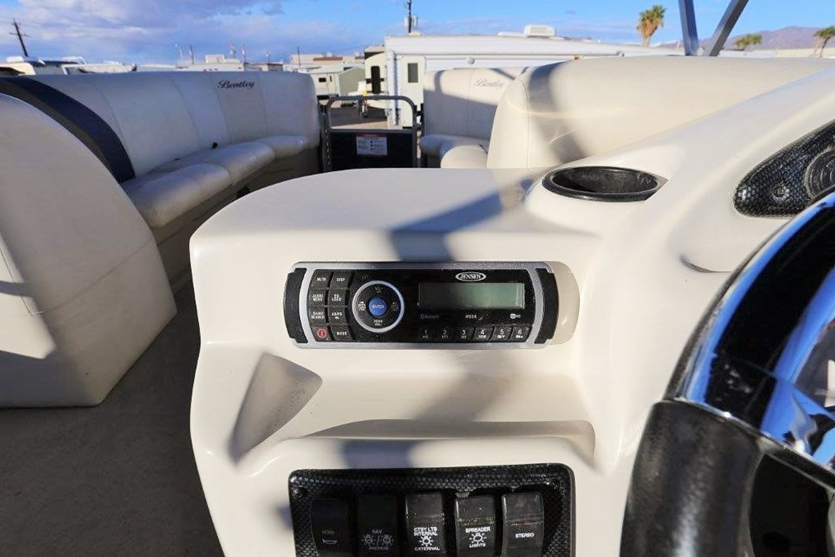 2015 Bentley Cruise SE 240, 14