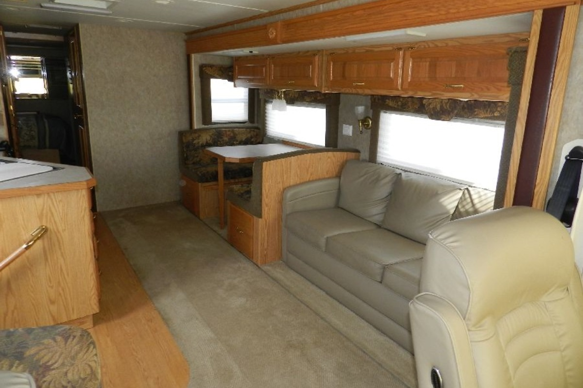 2005 Holiday Rambler Admiral 33PBD, 11