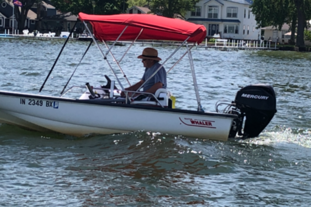2003 Boston Whaler Sport 130, 6