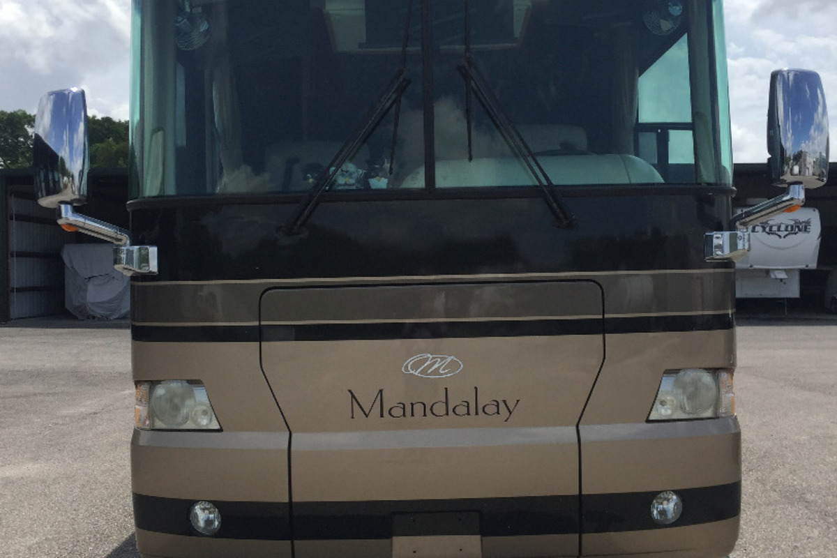 2005 Thor Mandalay 4E - 4 Slides, 0