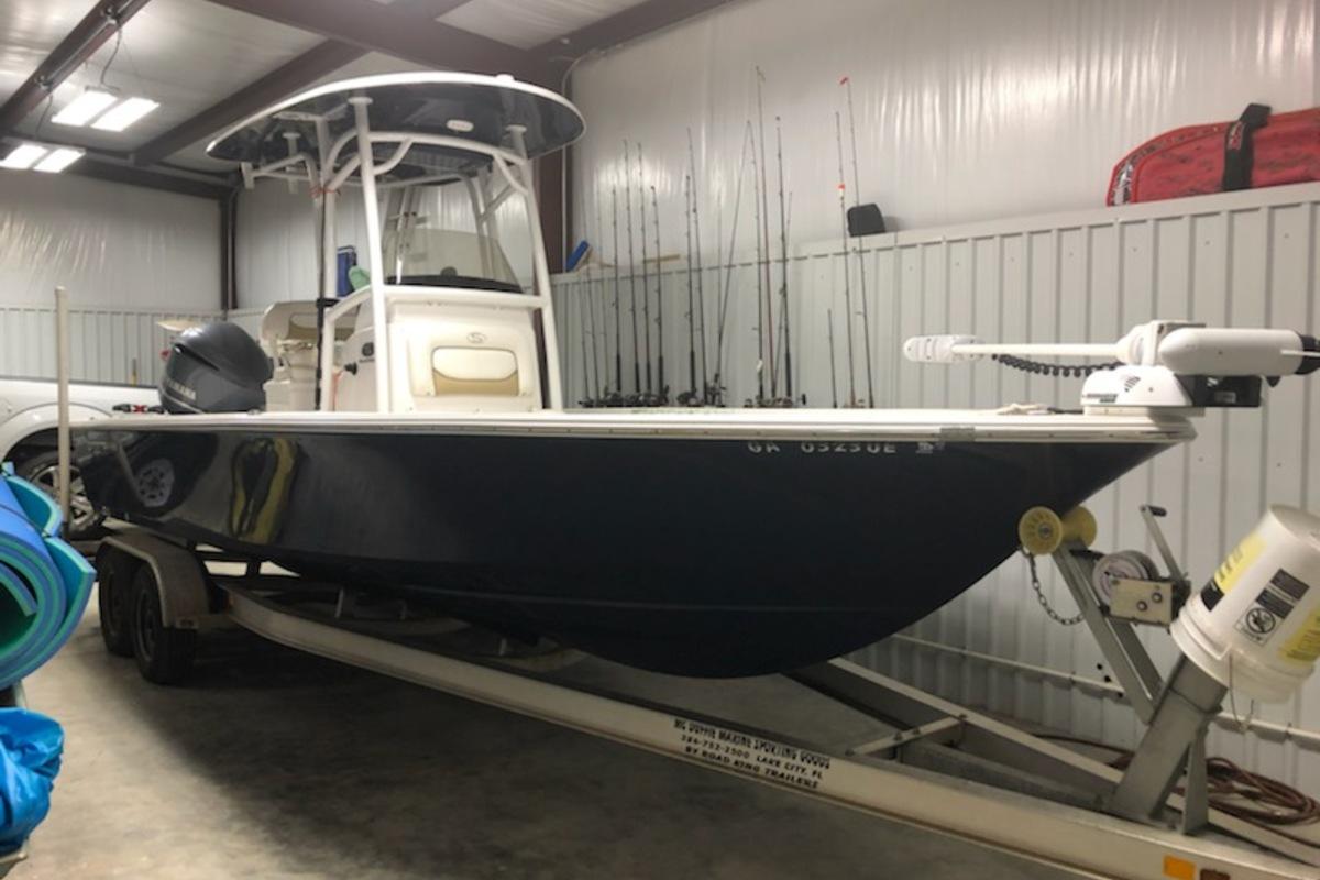 2016 Sportsman 247 Platinum Master Bay Boat, 4