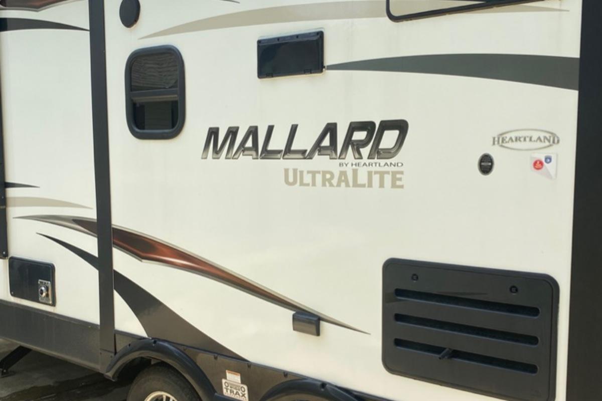 2016 Heartland Mallard M28, 2