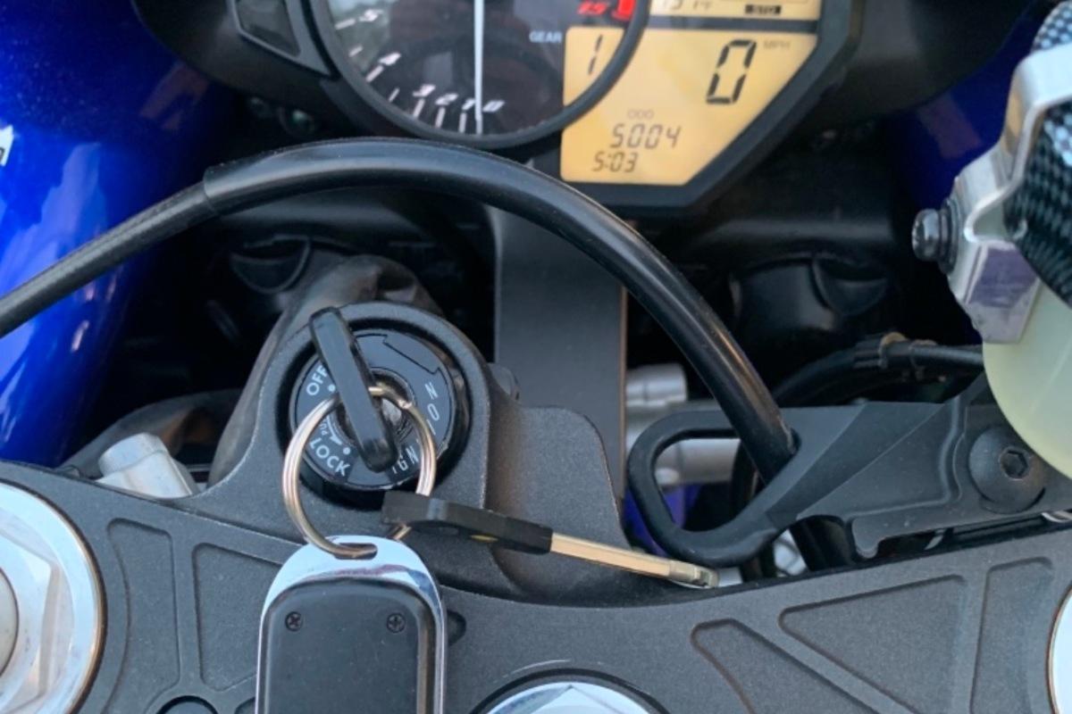 2010 Yamaha Yzf-r1 LE, 11