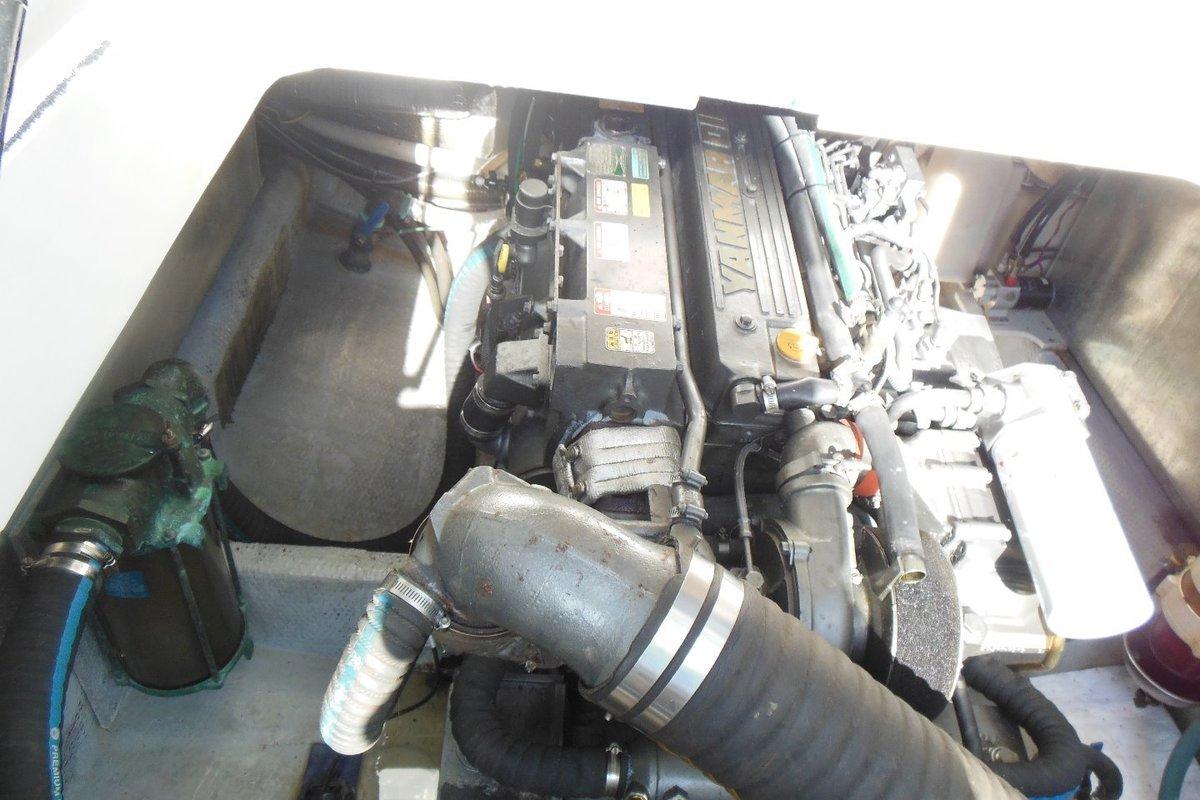 2001 Mainship Pilot 34, 22