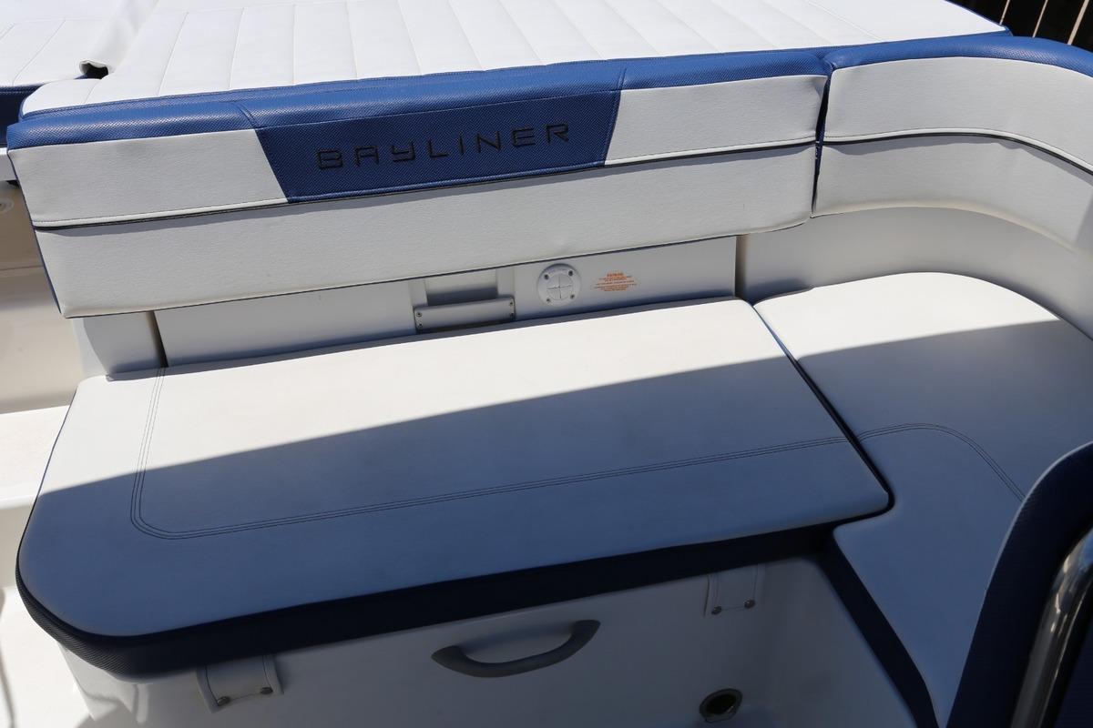 2016 Bayliner VR5, 7