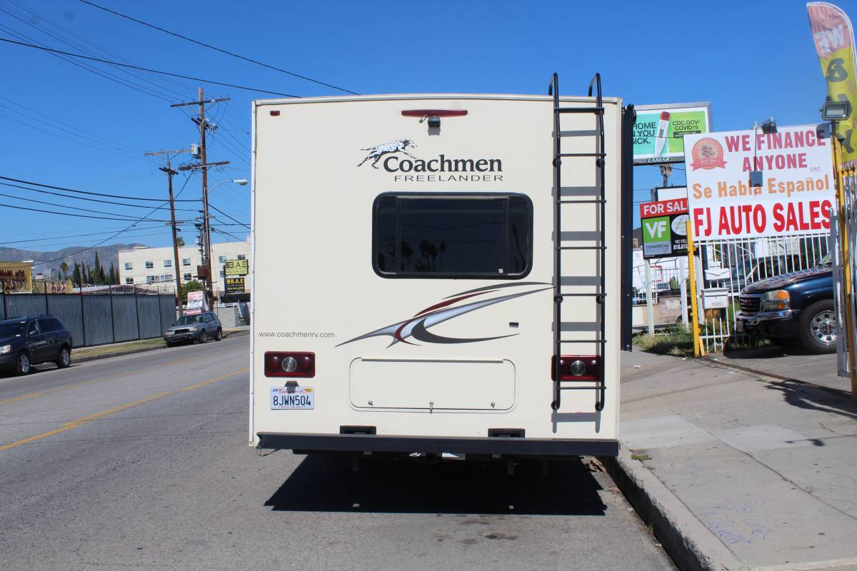 2015 coachmen freelander 27, 3