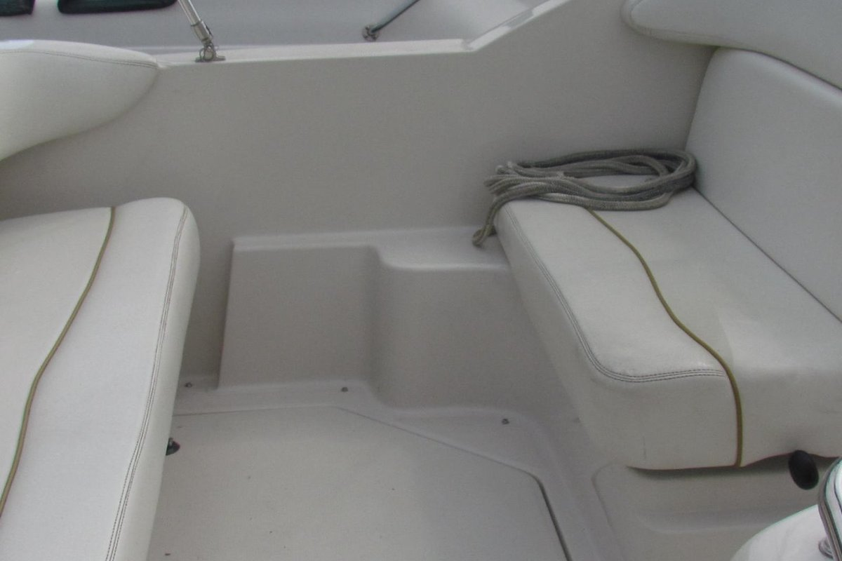 2001 Sea Ray 240 Sundancer, 6