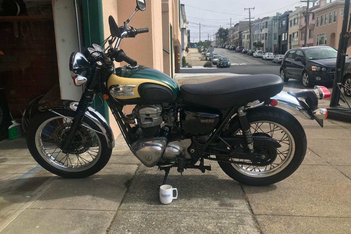 2001 Kawasaki W650, 4