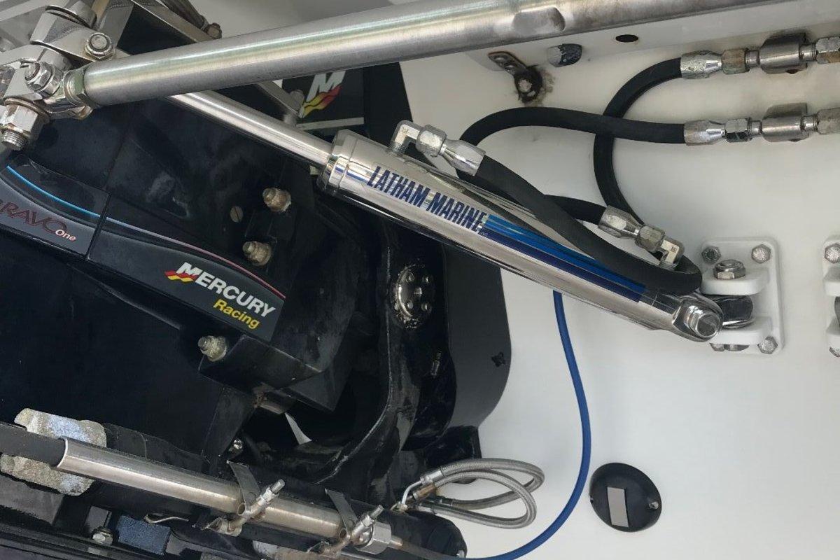 2003 Formula 382 Fastech, 3