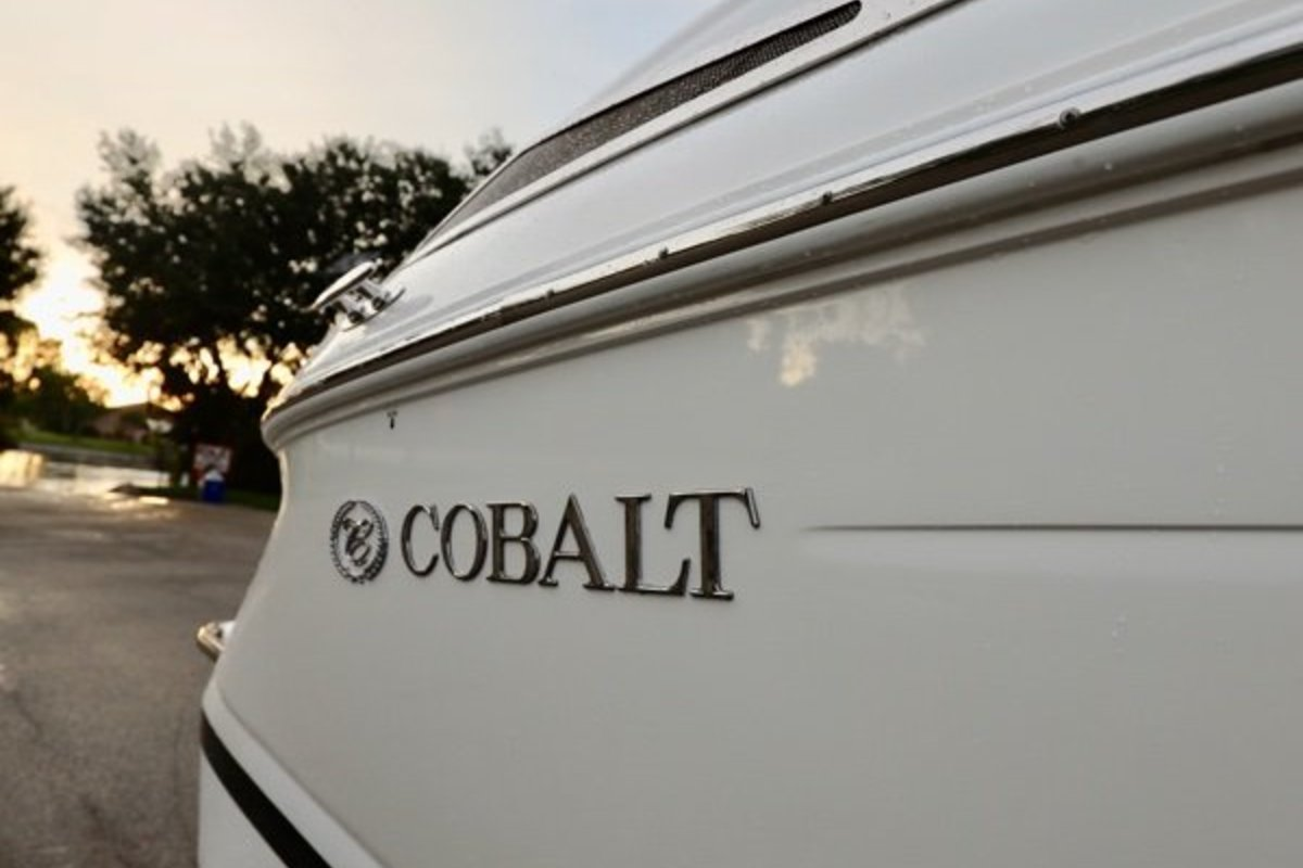 2013 Cobalt Boats 302 w/twin 380 hp Volvos with joystick and hardtop, 14