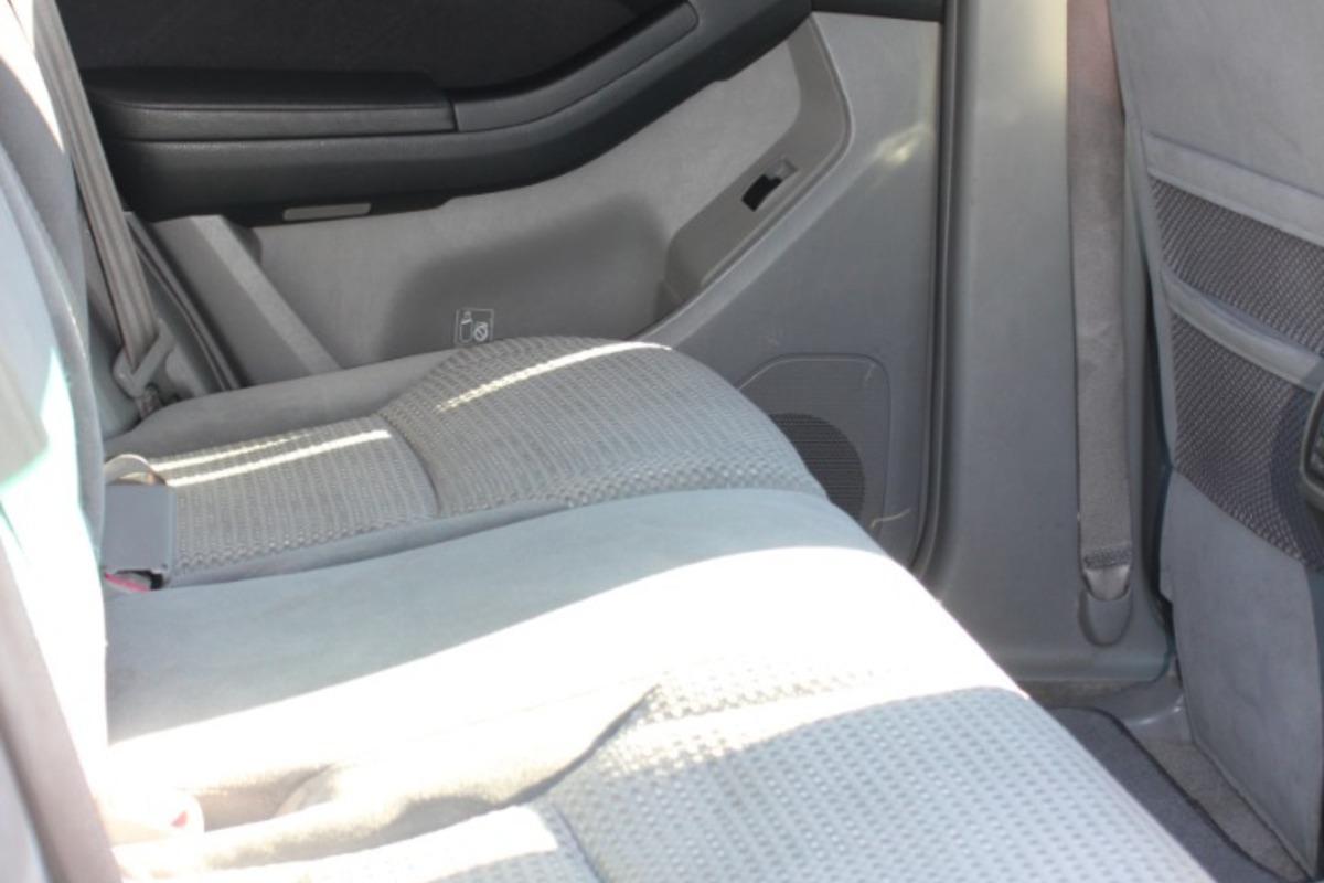 2005 Toyota 4Runner SR5, 7