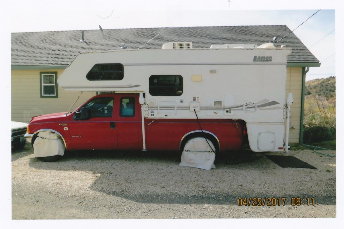 2002 lance truck camper 1030 fiber, 0