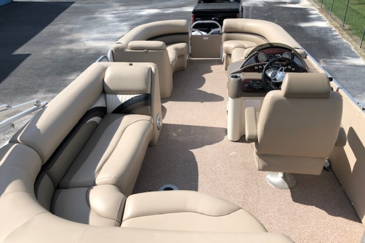 2016 Play Craft Hampton 2485 XLT tritoon, 9