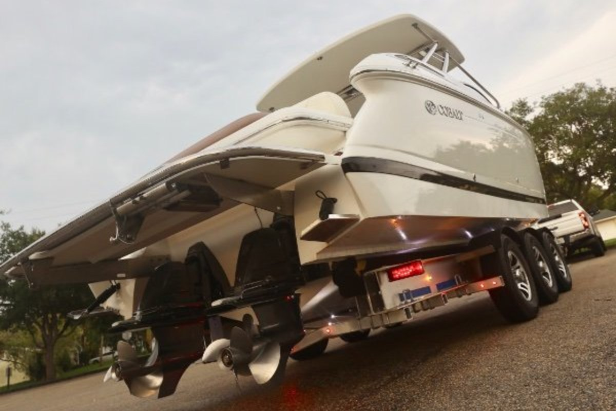 2013 Cobalt Boats 302 w/twin 380 hp Volvos with joystick and hardtop, 27