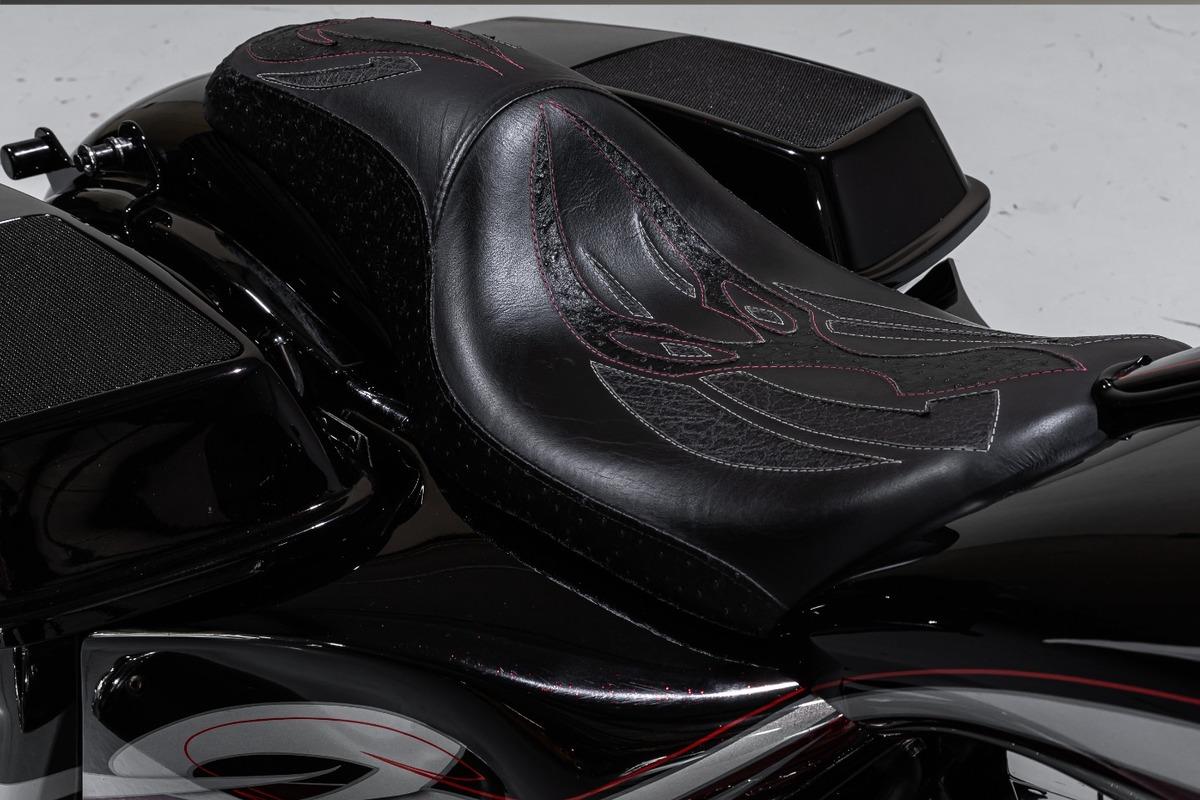 2011 Harley-Davidson FLHX Street Glide, 13