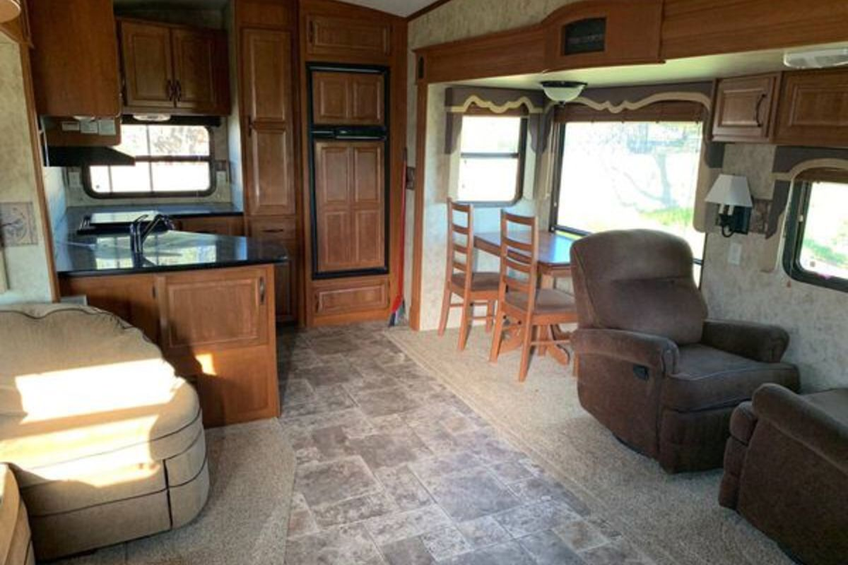 2012 Keystone Montana High Country, 3