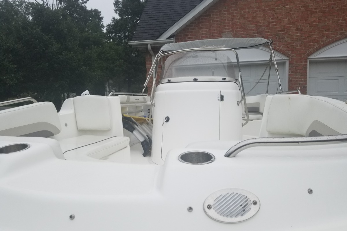 2016 Hurricane Boats 231 CC, 4