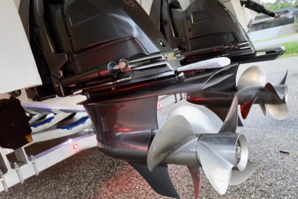 2013 Cobalt Boats 302 w/twin 380 hp Volvos with joystick and hardtop, 4