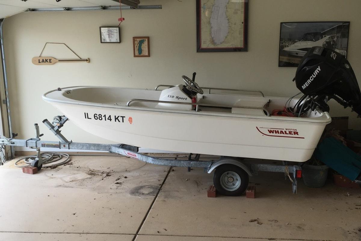 2013 Boston Whaler 110 Sport, 1