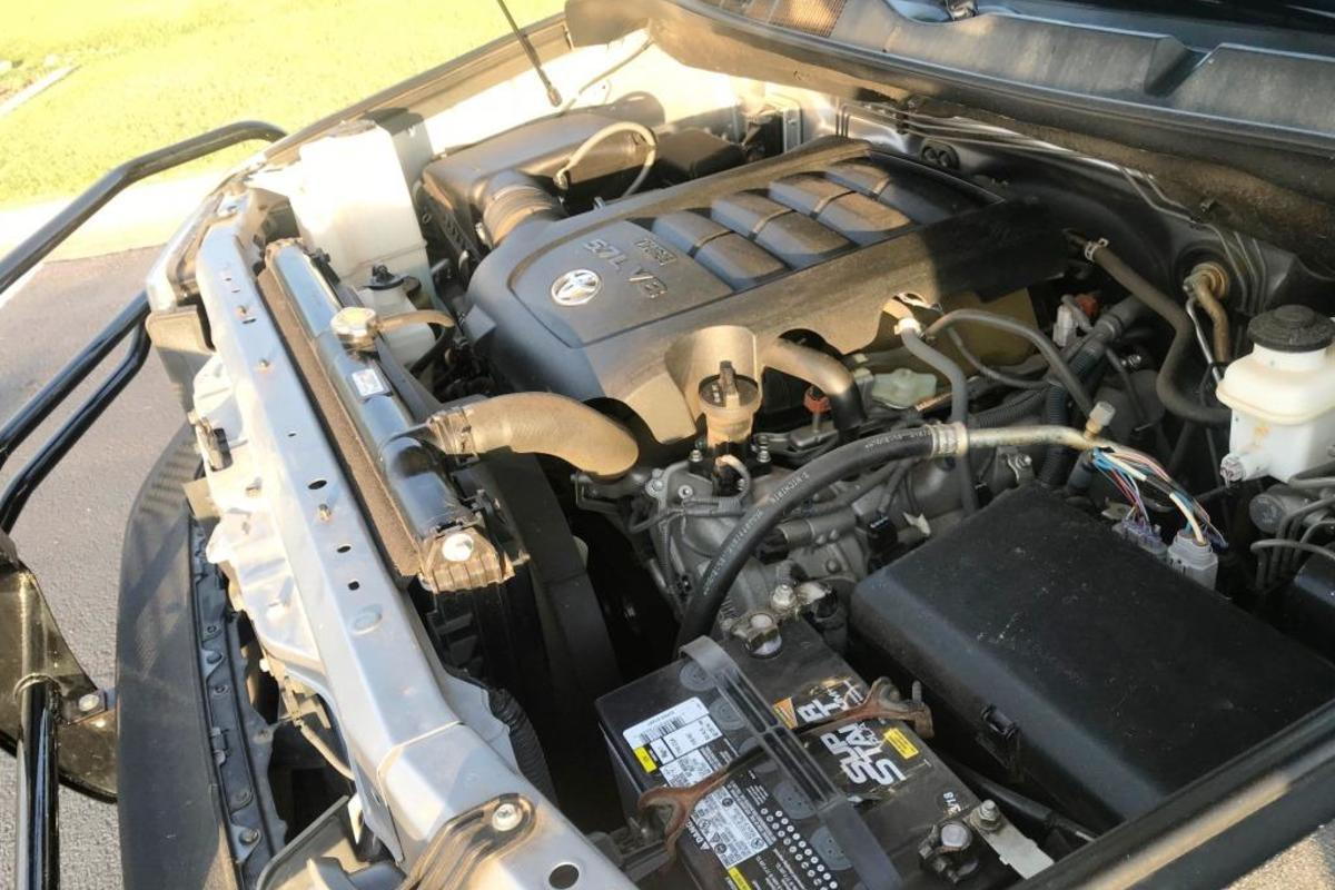 2012 Toyota Tundra 4x4, 5