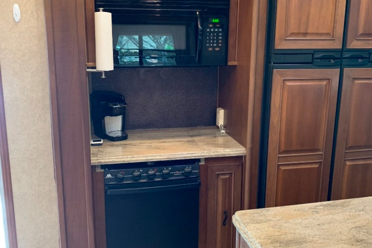 2014 Open Range 427BHS Bunk House, 4