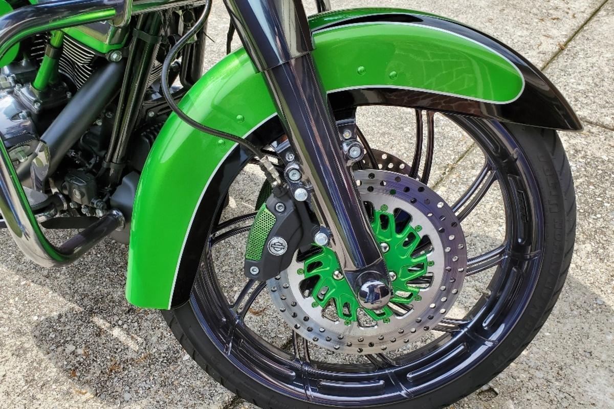 2017 Harley Davidson Road Glide Custom, 3