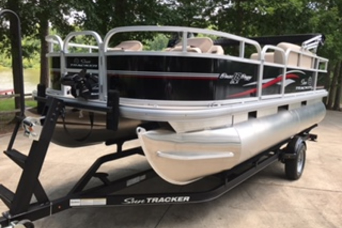 2017 Sun Tracker Bass Buggy 18 DLX, 4