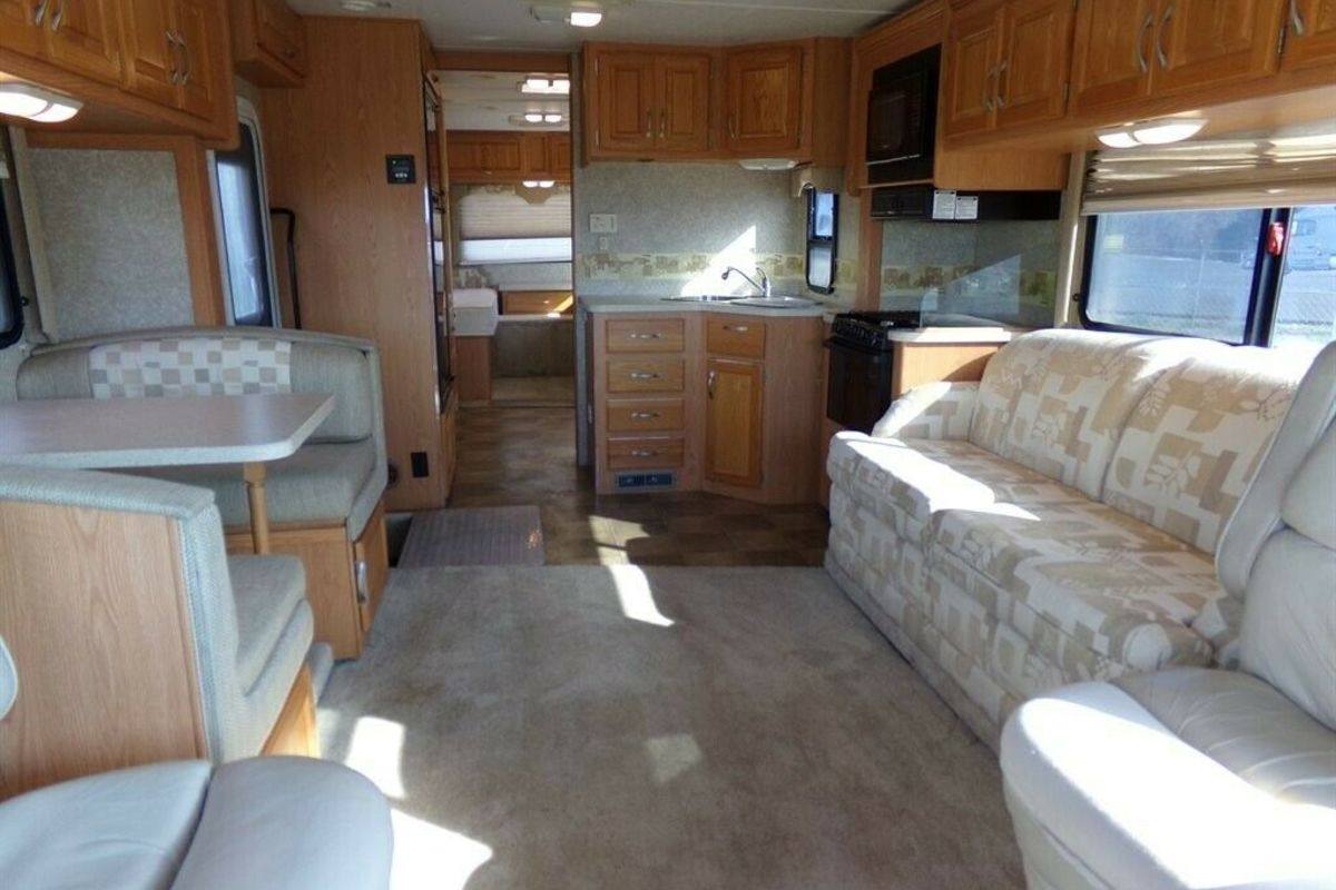 2006 Hurricane Four Winds 31 DT, 2