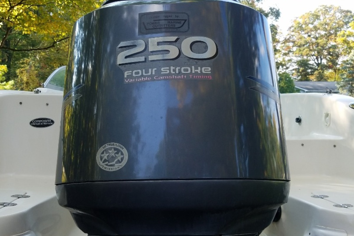 2007 NauticStar 230 Sport Deck, 18