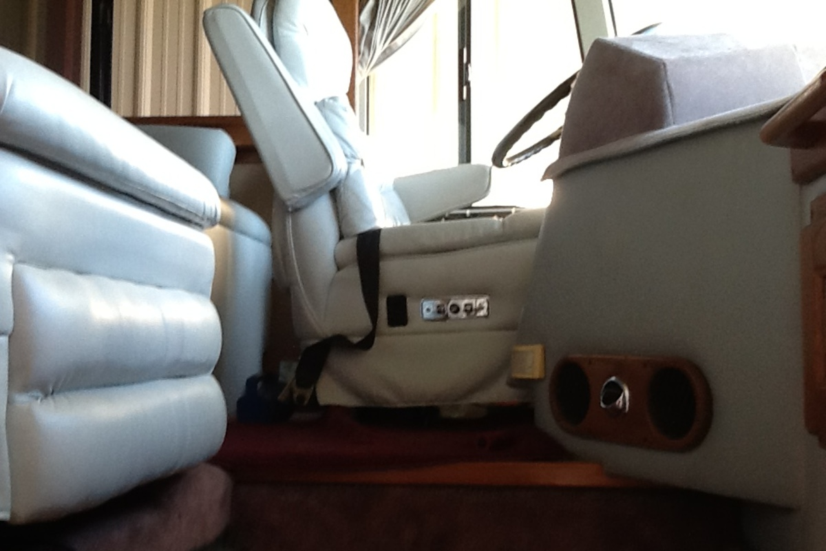 1989 Eagle by Country Coach 15 Custom, 5