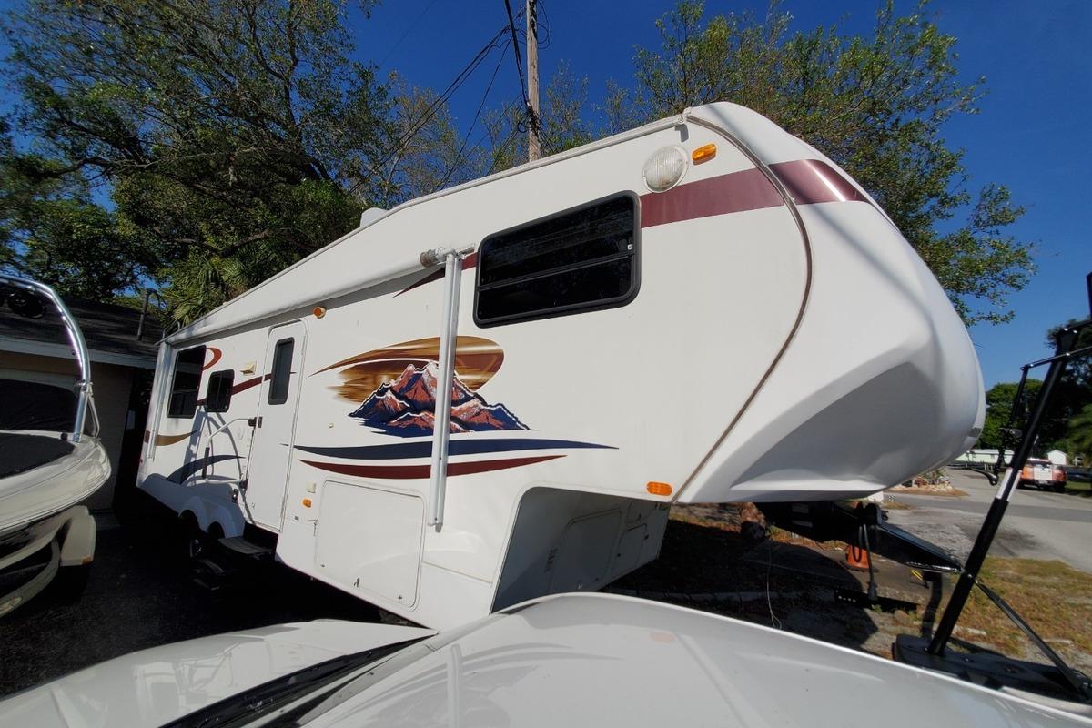 2010 Coachmen Forest River 268 RLE, 8