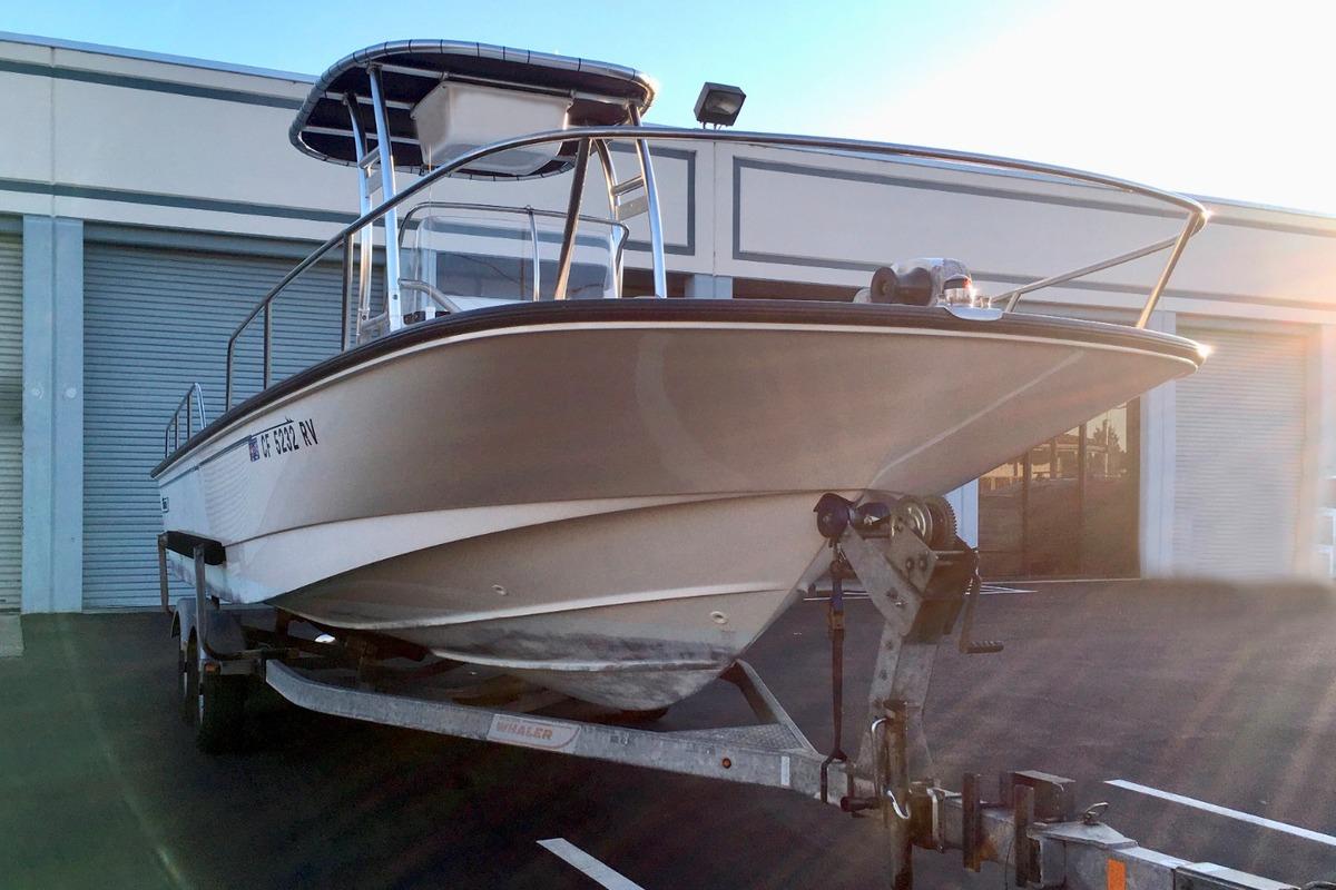 2012 Boston Whaler 210 Montauk, 1
