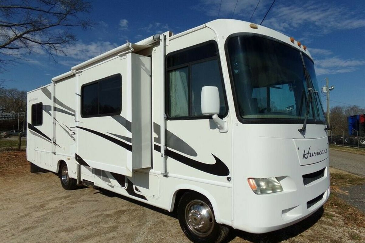 2006 Hurricane Four Winds 31 DT, 0