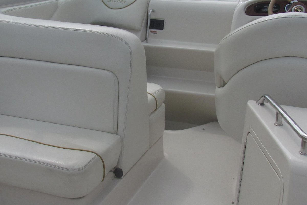 2001 Sea Ray 240 Sundancer, 7