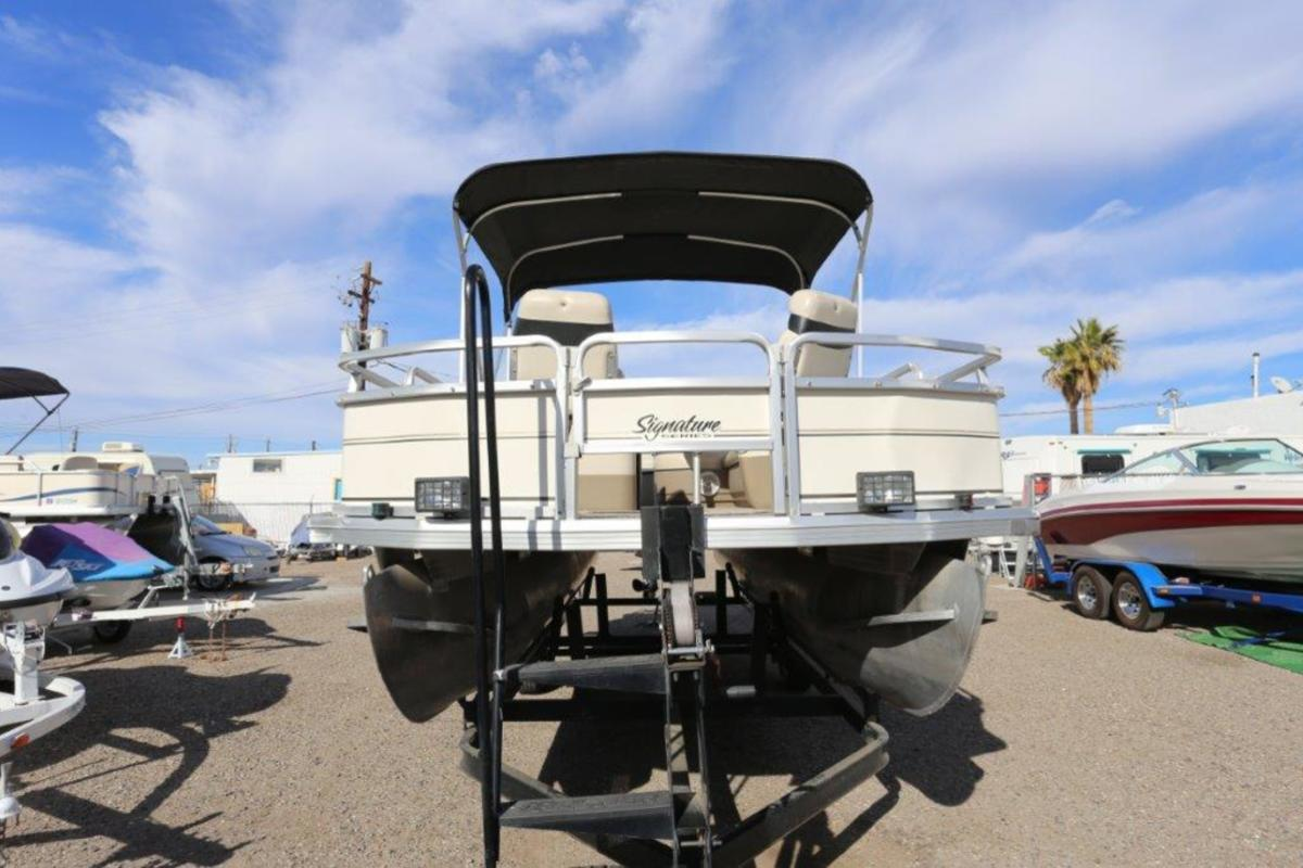 2004 Sun Tracker Signature Series Fishing Barge 21, 21