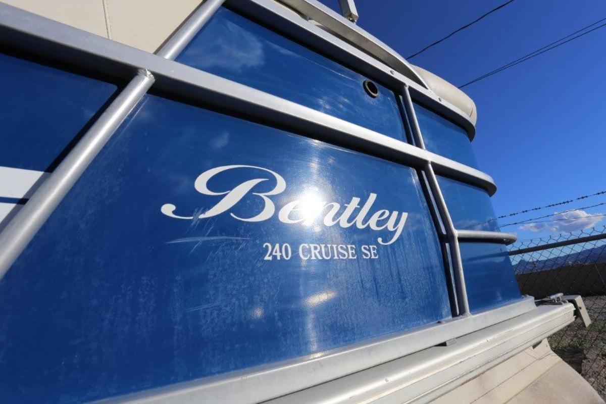 2015 Bentley Cruise SE 240, 3