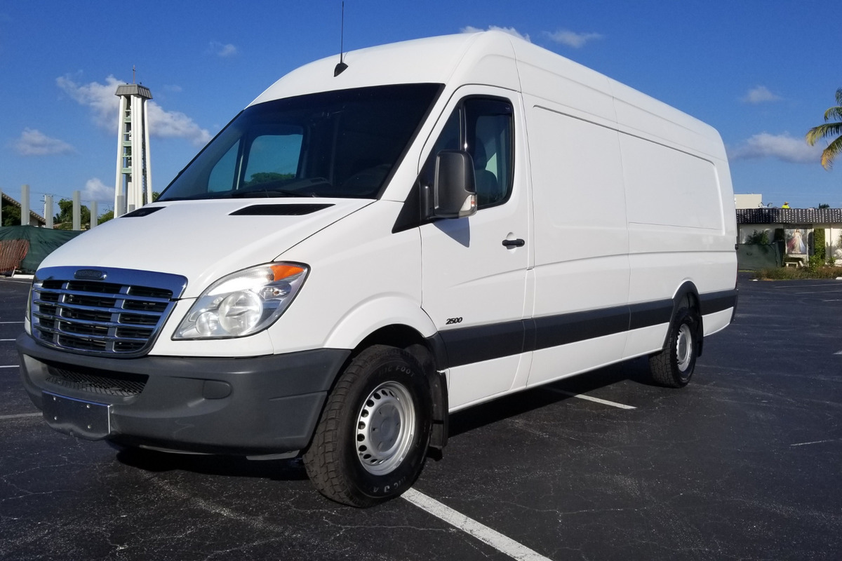 2013 Freightliner Bluetec High Top Van Sprinter 2500, 0
