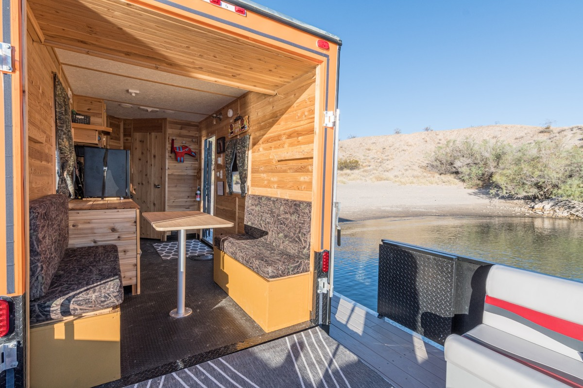 2019 F&S Houseboats Custom, 5