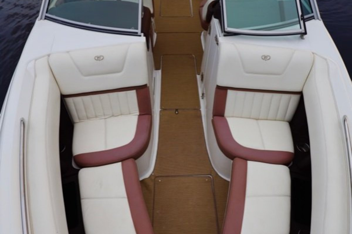2013 Cobalt Boats 302 w/twin 380 hp Volvos with joystick and hardtop, 19