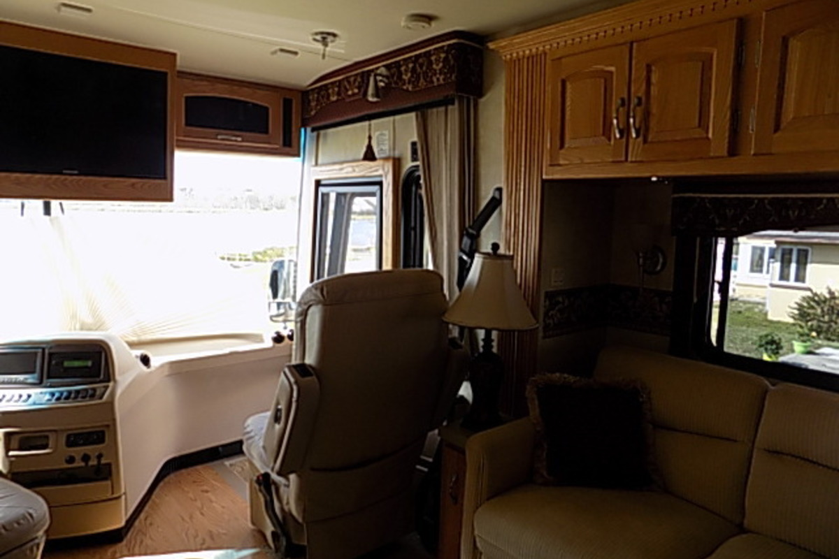 2006 Newmar Kountry Star 3910, 9
