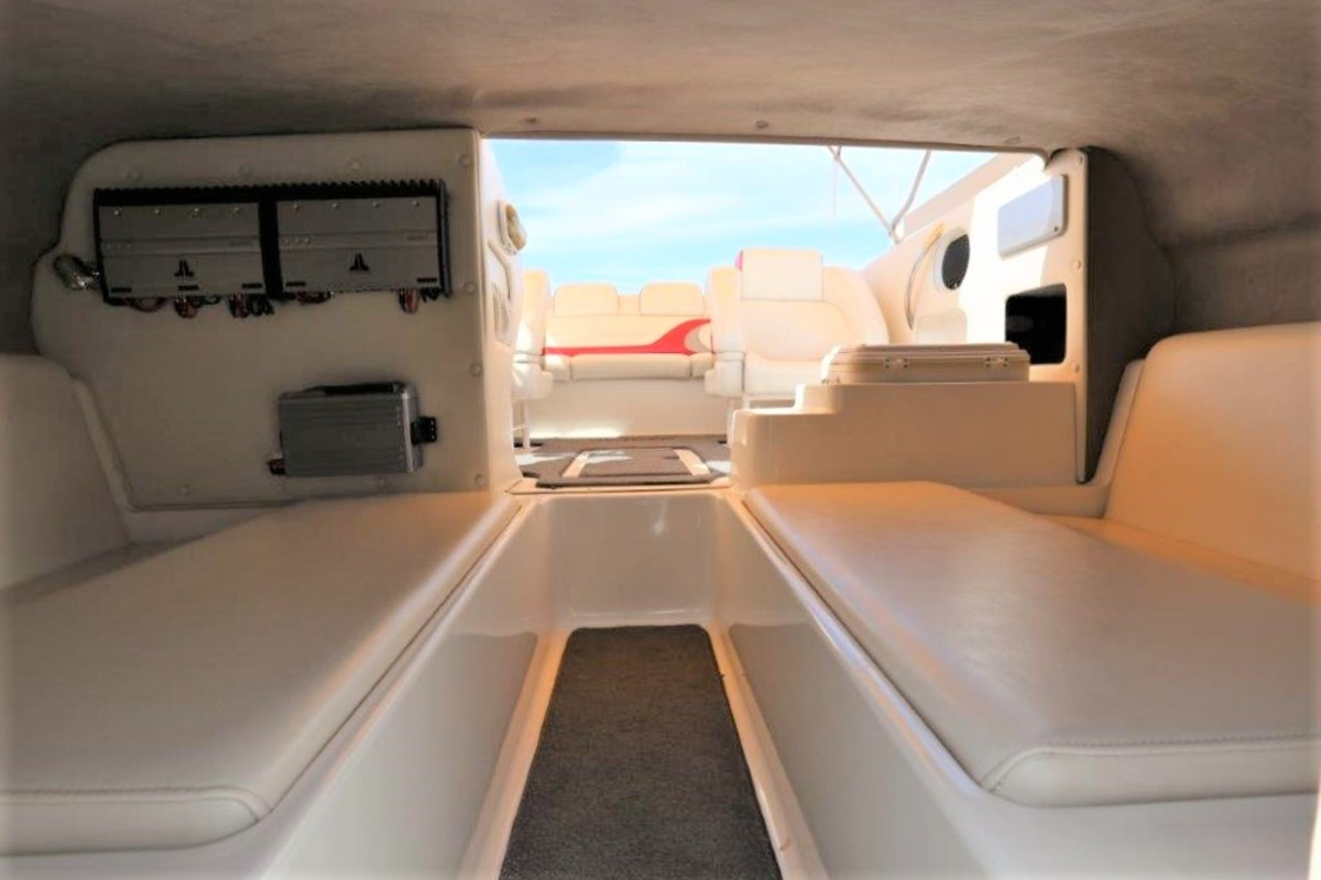 2006 Magic Powerboats Scepter, 31