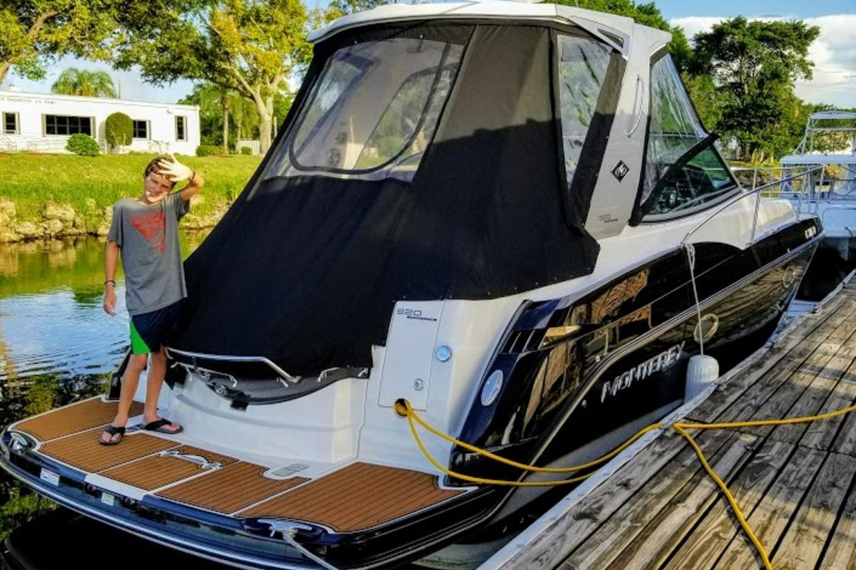 2014 Monterey 320 Sprot Yacht, 2