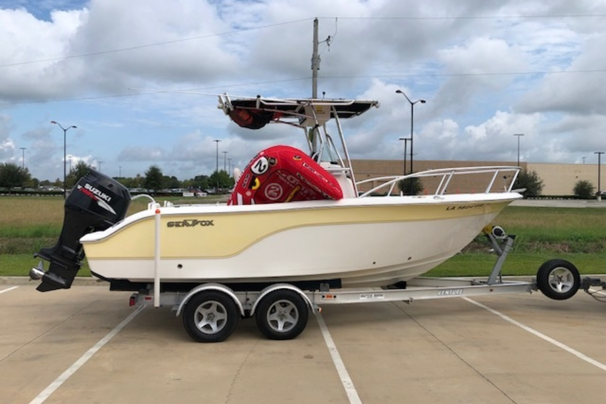 2008 Sea Fox 216C Center Console, 1