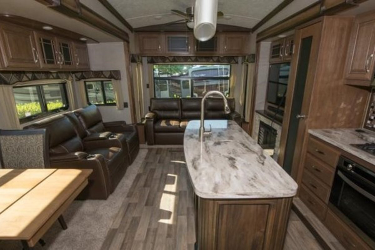 2017 Keystone Montana 3921FB, 4