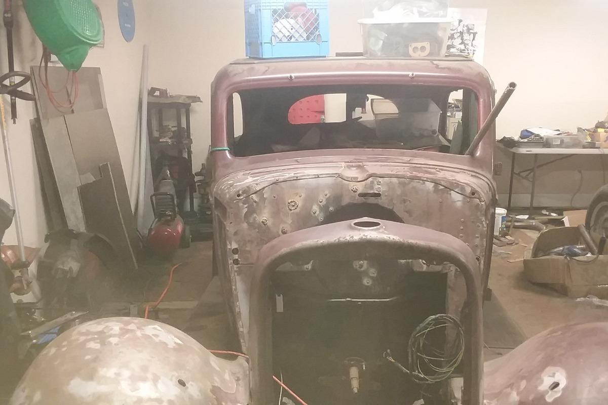 1934 Chevrolet 5 window 2 door, 2