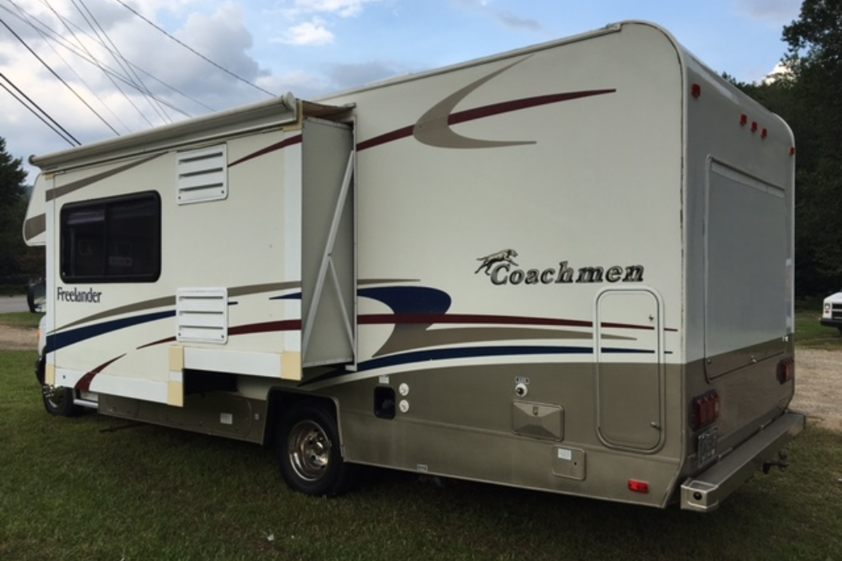2004 Coachmen Freelander 2490SO, 2