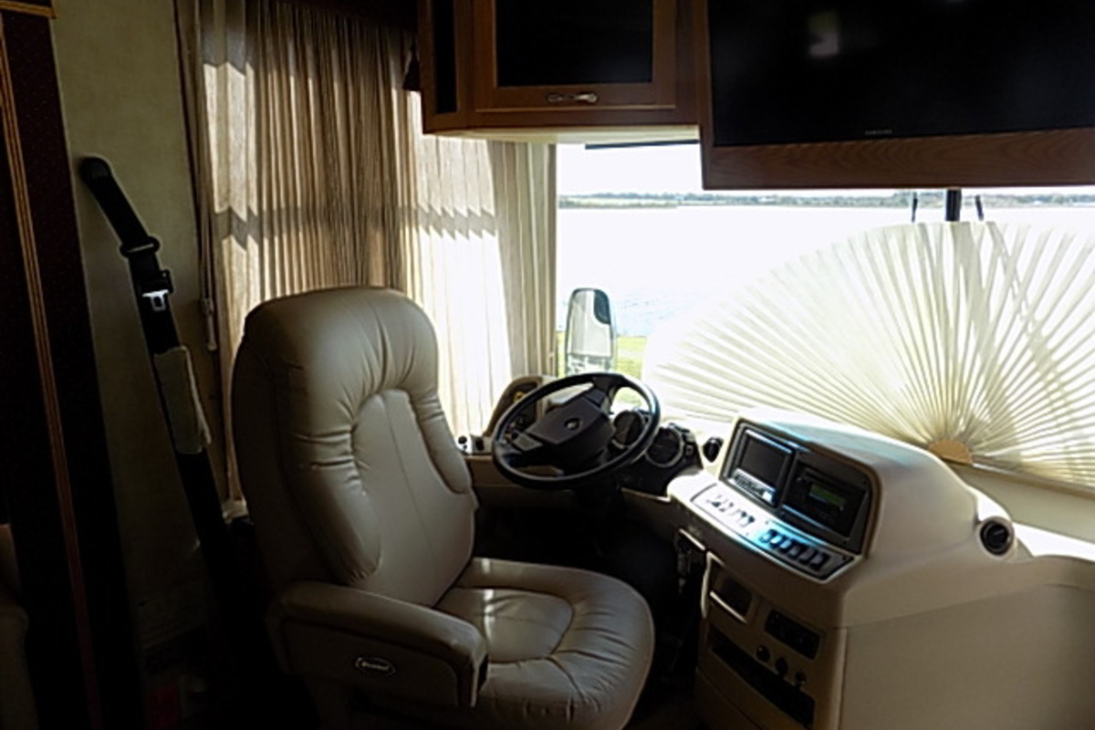 2006 Newmar Kountry Star 3910, 11
